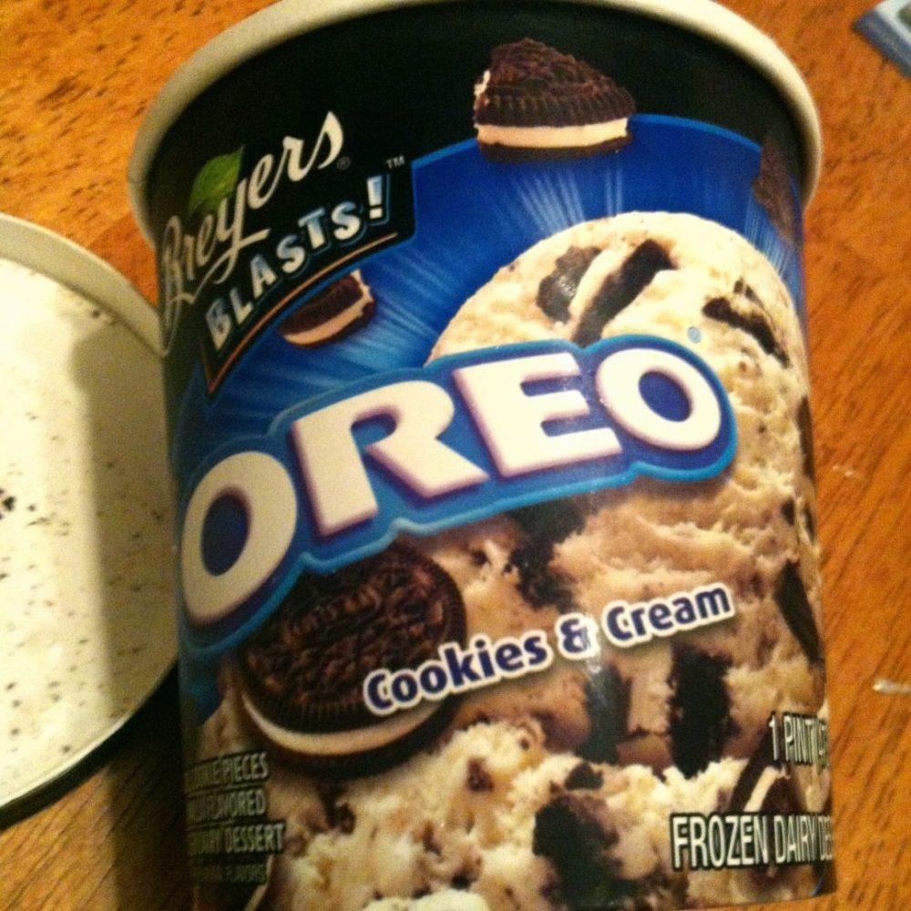 Ice Cream Review: Breyers Blasts Oreo Cookies and Cream