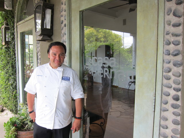 Chef Johnny Hernandez at Casa Hernán
