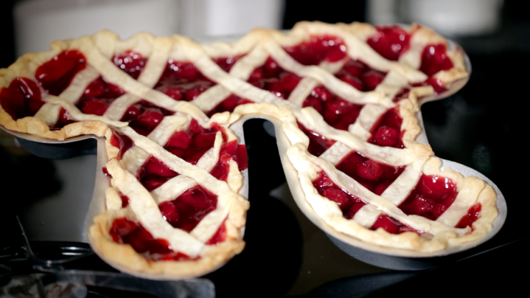 The Pi Pie Pan: Perfect For Geeks Who Bake