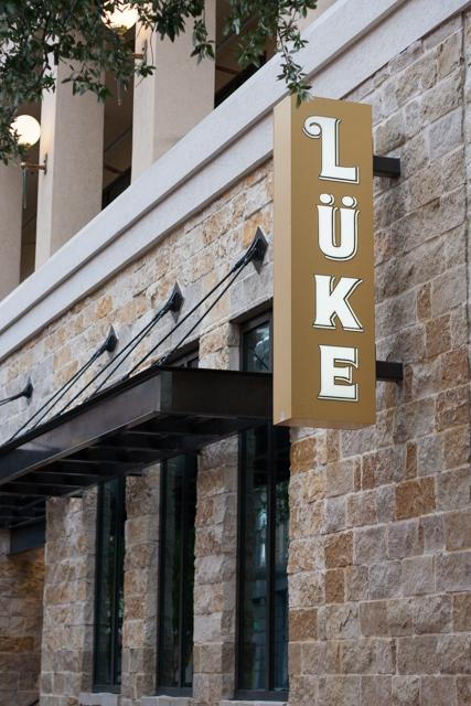Lüke Outside Sign