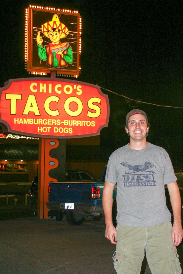 Chicos Tacos Sign