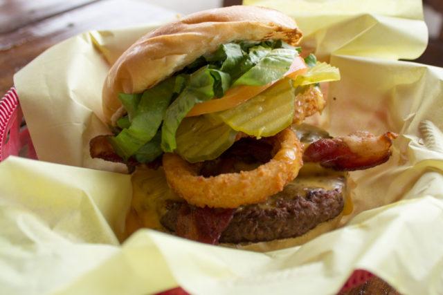 The Big Chunk Chunky's Burgers-2