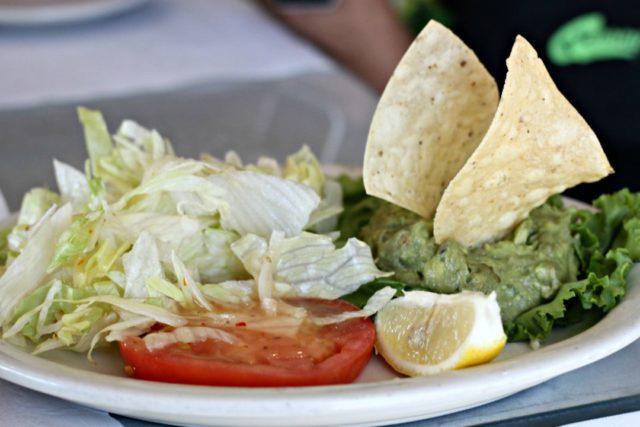 guac-salad-la-posada-del-rey