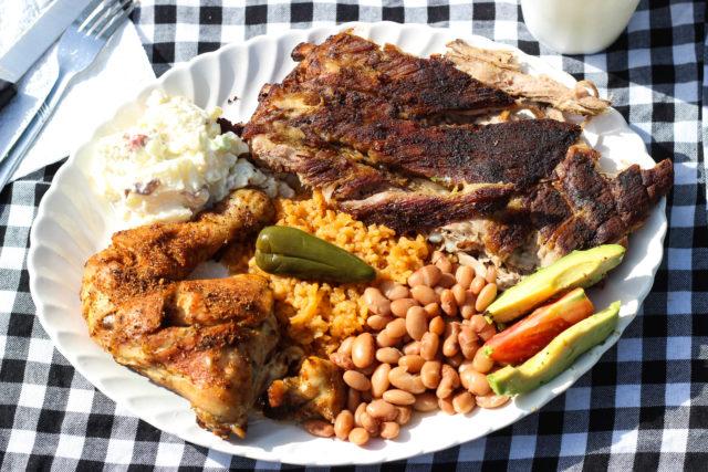 BBQ Plate 2 Gringos Chupacabra-3